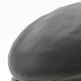 Flat leather cap