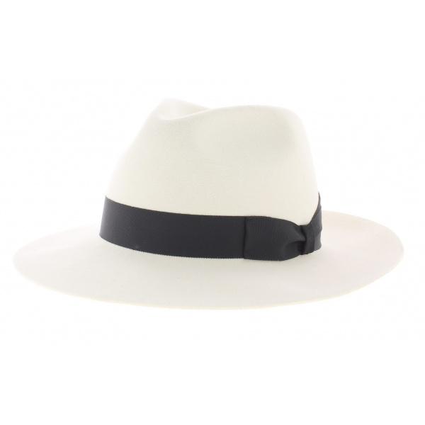 White fur felt hat