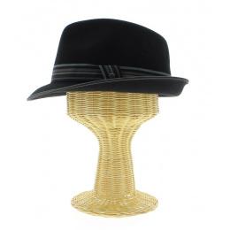 Marotte for hat