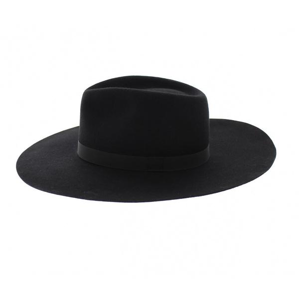Big edges Hat