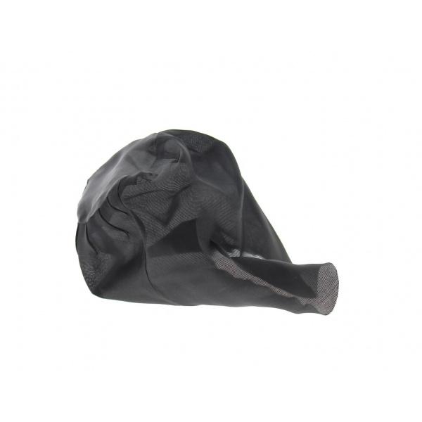 Coiffe à chapeau