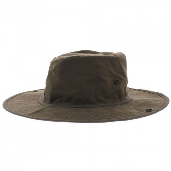 Brown oiled bob hat