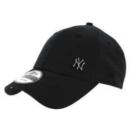 Strapback Flawless Black Waterproof Style Cap - New Era