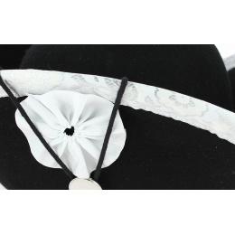 Tricorne feutre noir bordé blanc